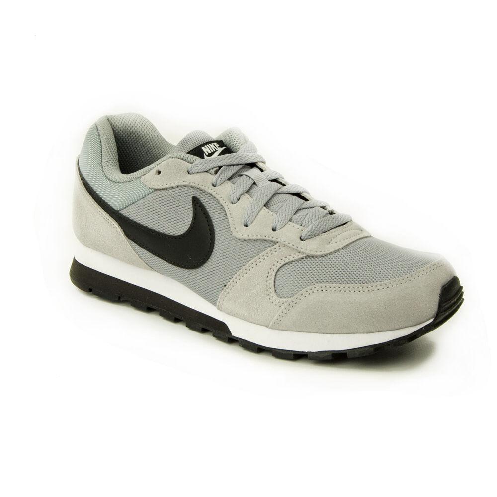 bf8ca1344a95 Nike MD Runner 2 Férfi Utcai cipő-749794-001-45,5-es - MadeInPapp a ...