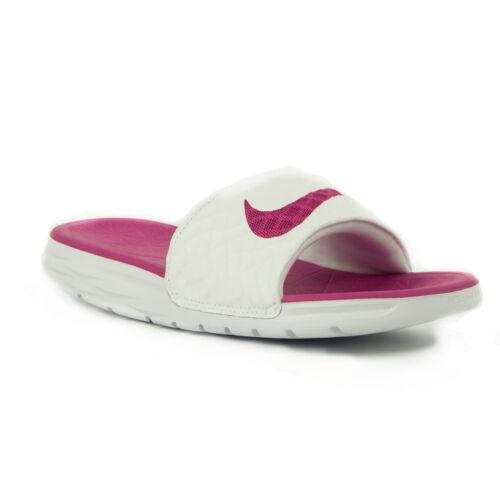 Nike WMNS Benassi Solarsoft  Női papucs