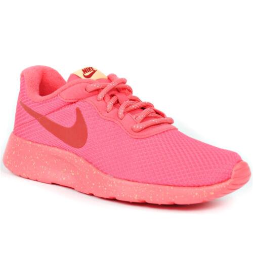 Nike Wmns Tanjun SE Női Utcai Cipő
