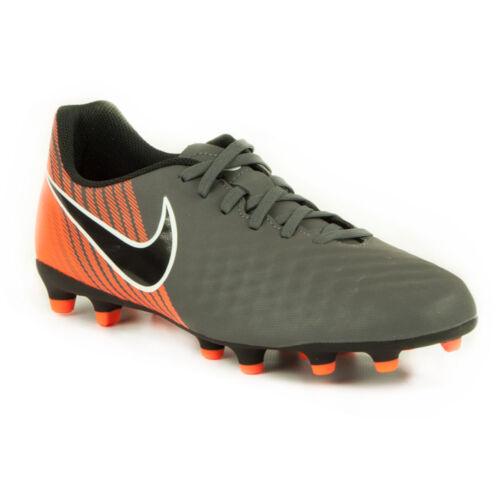 A Nike Focicipővel Focicipővel A Kényelmes Futballozásért Nike Kényelmes y76gYbfv